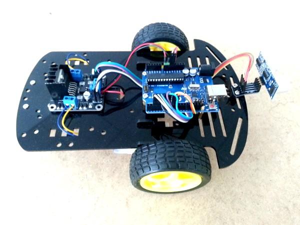 Robot autónomo esquiva objetos