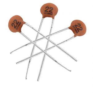 25 Condensador ceramico 22 pF 50v