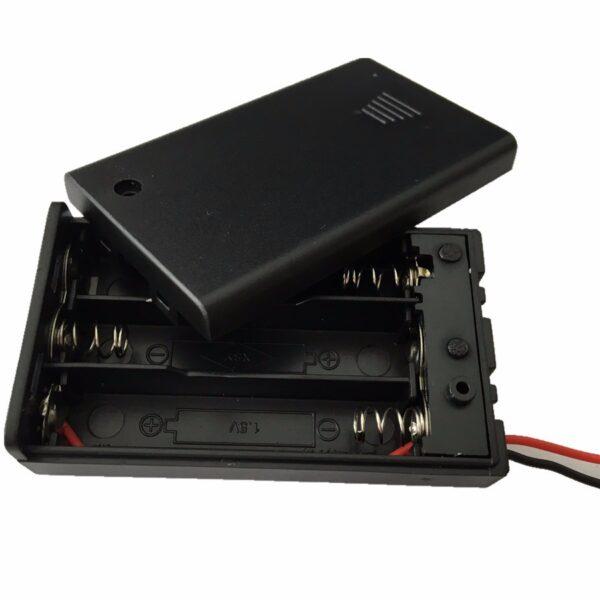 Portapilas 3xAAA 4,5v con tapa e interruptor 3x AAA P027